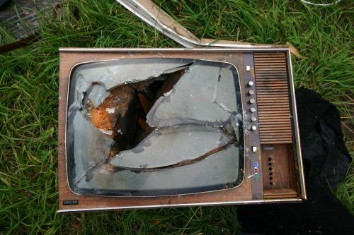 old_broken_tv